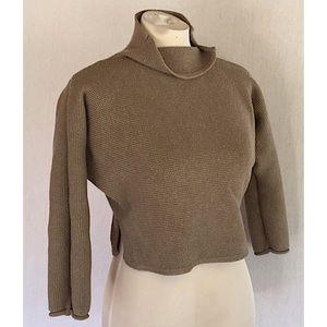 Elemente Clemente cropped tan split collar sweater